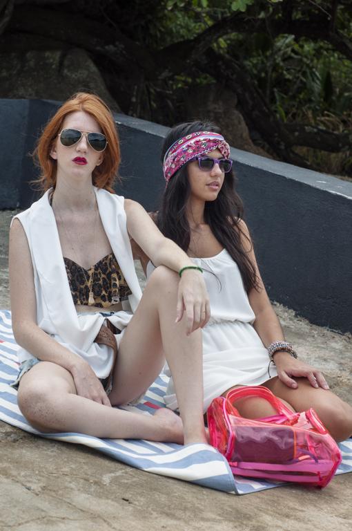Laura Andrade e Izabella Sanz com Ray Ban - Diniz Prime-