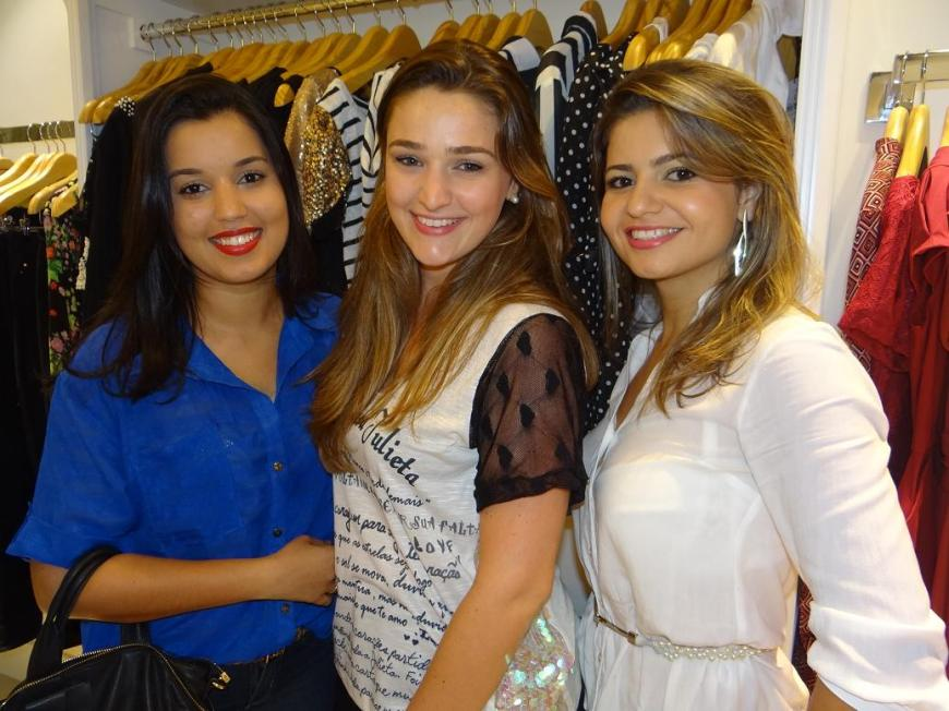 Tatiana Rafaela Gomes, Paula de Freitas, Miriam de Almeida - Inauguração Marcí Itapoã